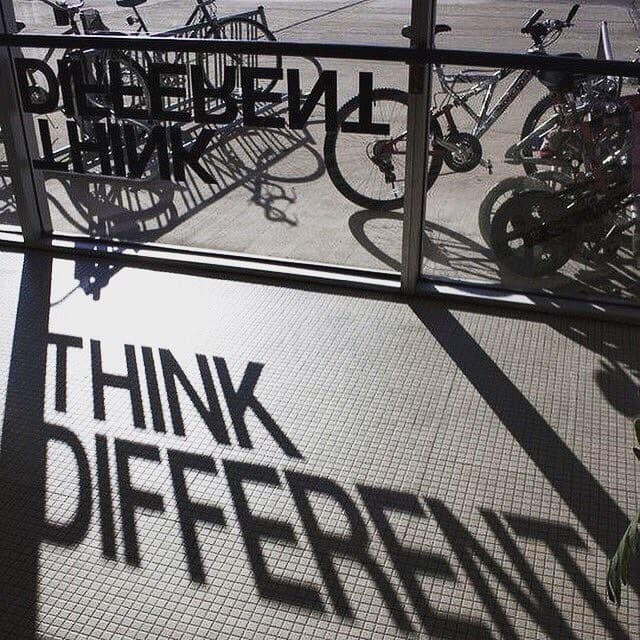 Pense_Diferente