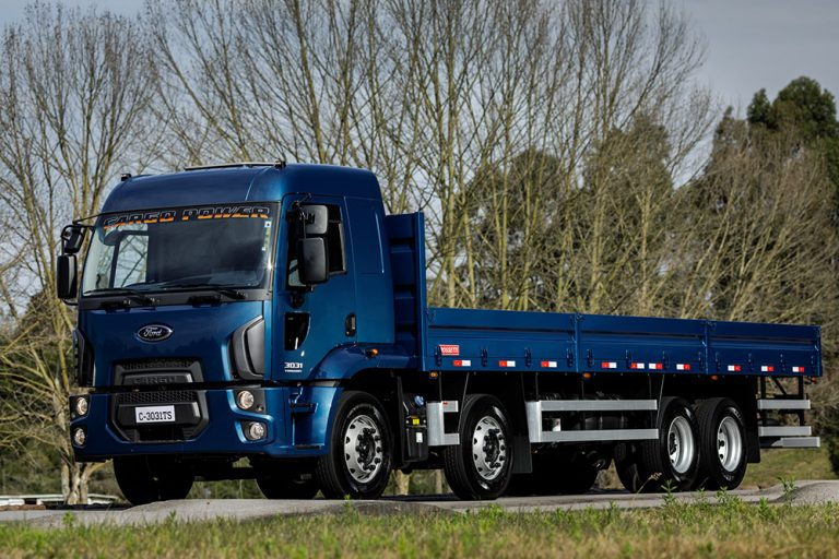 Ford_Cargo_3031
