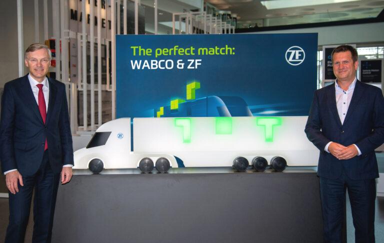 Legenda: Wolf-Henning Scheider, CEO da ZF, e Fredrik Staedtler, que liderará a divisão Commercial Vehicle Control Systems da ZF.