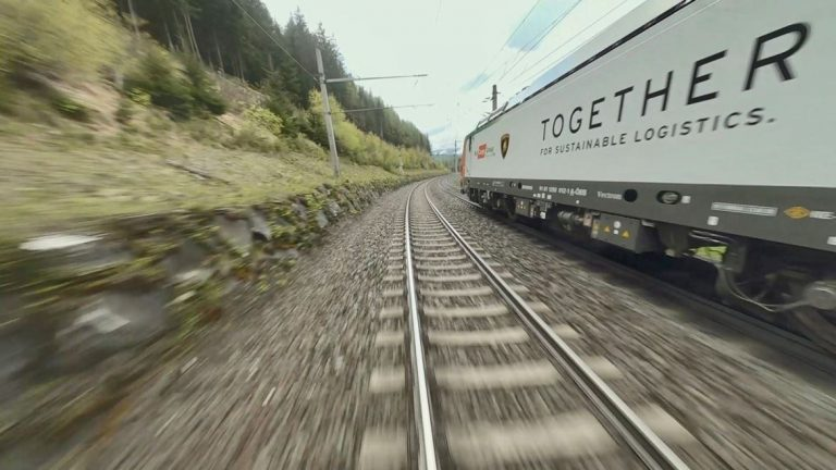 Lamborghini Rail Cargo Locomotiva