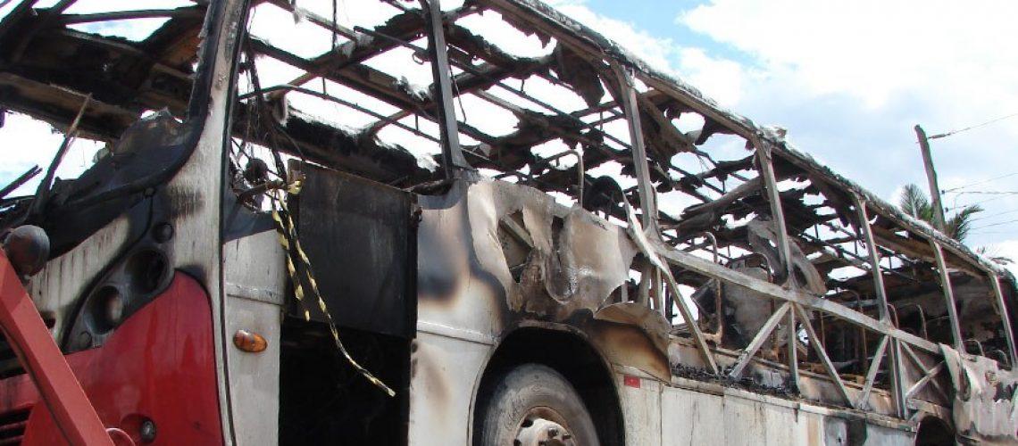 Ônibus_Incendiado